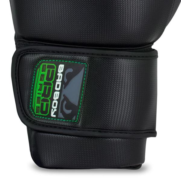 BadBoy Pro Series 3.0 Boxing Gloves Sorte/Gronne1