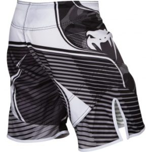 "Venum ""CAMO HERO"" Fightshorts - Black/White"