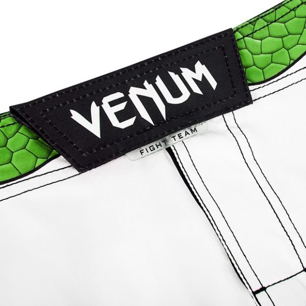 "Venum ""Amazonia 4.0"" Fightshorts - Green Viper"